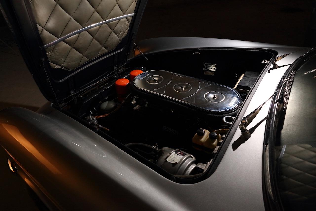 Ferrari 330 090
