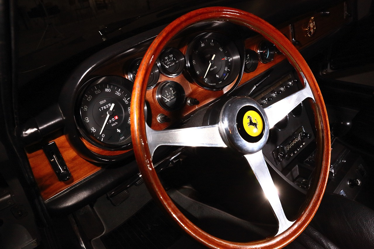 Ferrari 330 106