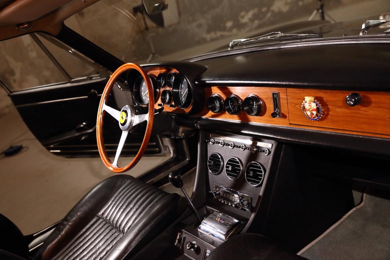 Ferrari 330 114